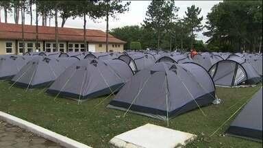 Super acampamento às margens da Guarapiranga está sendo montado para receber holandeses - Os holandeses estão bem ligados no Brasil pra essa Copa. Tanto que já levantaram acampamento por aqui pra acompanhar os jogos da Holanda na primeira fase.