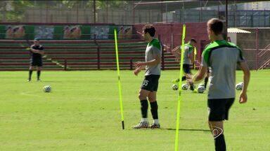 No ES, Seleção da Austrália realiza mais um treino - Este é o penúltimo treino antes da viagem para Cuiabá, onde vai enfrentar o Chile na estreia da Copa do Mundo.
