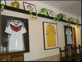 Bares de Campos, RJ, já se preparam para a Copa do Mundo - Comerciantes já recebem reservas de clientes.