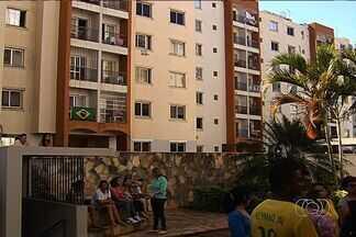 Famílias temem despejo, em Goiânia - Fiel depositário teria alugado apartamentos construídos há quase 20 anos sem a documentação necessária.