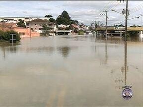 Parte da cidade de Rio Negrinho, no Norte de SC, está submersa - Parte da cidade de Rio Negrinho, no Norte de SC, está submersa