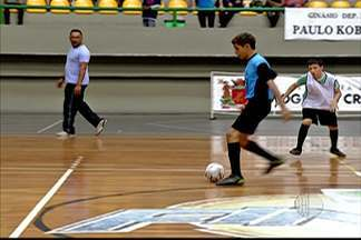 Centros esportivos de Mogi das Cruzes realizam uma copinha do mundo de futsal - Garotada mogiana se dividiu em equipes, que represantaram diversos países do mundo