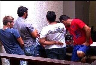Polícia prende quadrilha de agiotas em na cidade de Barbalha - Segundo a polícia, os suspeitos planejavam matar um devedor.