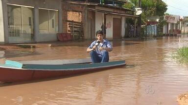Bairros mais problemáticos de Macapá sofrem toda vez que chove forte - OS BAIRROS MAIS PROBLEMÁTICOS DA CAPITAL SOFREM TODA VEZ QUE CHOVE FORTE. NO VALE VERDE, EM FAZENDINHA, A ÁGUA SUJA INVADE AS CASAS. OS MORADORES BEM QUE TENTARAM CRIAR UM SISTEMA DE DRENAGEM, MAS NÃO DEU MUITO CERTO.