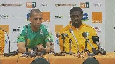 Técnico e jogadores da Costa do Marfim falam pela 1ª vez à imprensa em Águas de Lindóia - Elenco treinou no CT e foi para o hotel após a atividade. O zagueiro Kolo Touré, irmão do volante Yaya Touré, foi um dos que deu entrevista.