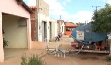 """Piauienses sofrem com a seca e """"Operação Carro Pipa"""" está suspensa no Piauí - Piauienses sofrem com a seca no interior e """"Operação Carro Pipa"""" está suspensa no Piauí"""