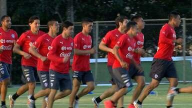 Chilenos se preparam para a Copa na Toca da Raposa - Jogadores estão hospedados na casa do Cruzeiro