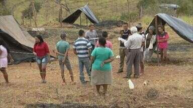 Famílias continuam invasão em terrenos em Pouso Alegre - Famílias continuam invasão em terrenos em Pouso Alegre