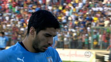 Uruguai corre risco de estrear Copa do Mundo com desfalque na equipe - Luis Suárez tenta se recuperar de uma contusão. Diego Forlán pode ser o substituto do craque.
