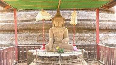 Templo construído há mais de 500 anos tem 90 mil estátuas de Buda - Todas as paredes do templo têm budas esculpidos. O templo fica na cidade de Mrauk-U, que já foi capital de Myanmar e uma das mais ricas da Ásia.