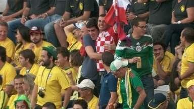 Brasileiro fã da Croácia assiste abertura da Copa no estádio - Davi é alagoano de nascimento, mas é um croata de coração. Ele explica que a paixão pelo país começou em 1998.