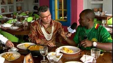 Camaroneses aprendem a fazer uma receita bem brasileira - Dois camaroneses aprendem como fazer uma receita de camarões bem brasileira em um restaurante do Rio de Janeiro. Tudo isso na sempre animada companhia de Milton Cunha.