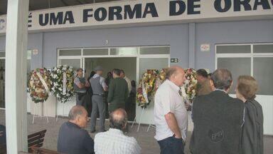 Policial militar morto a tiros em Piracicaba é enterrado nesta segunda-feira - O policial militar baleado semana passada em Piracicaba (SP) não resistiu aos ferimentos e, após oito dias internado, morreu na tarde de domingo (22). O enterro será na tarde desta segunda-feira.