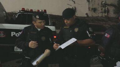Cinco pessoas são detidas em pela Guarda Municipal de Americana após assaltos - Na noite de domingo (22) três pessoas foram detidas e outros dois menores de idade apreendidos por praticar assaltos em Americana (SP).