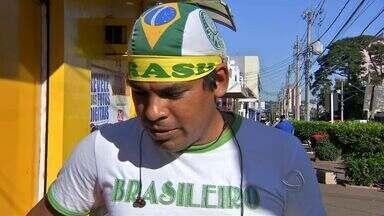 Torcedores se preparam para o jogo da seleção brasileira - O Brasil enfrenta nesta tarde a seleção de Camarões para garantir uma vaga nas oitavas de finais da Copa do Mundo