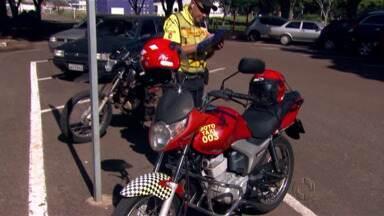 Setrans começa a fiscalizar mototáxis em Maringá - Só pode exercer a profissão quem está com a documentação e os ítens de segurança em dia