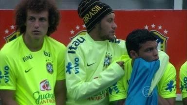 Fernanda Gentil mostra treino da Seleção - Jornalista comenta lesão de Neymar
