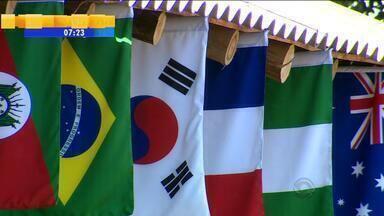 Montado para a Copa do Mundo, Acampamento Farroupilha segue em Porto Alegre - Milhares de turistas visitaram a estrutura durante o mundial.