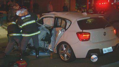 Imagens mostram acidente com carros importados em Campinas - As imagens do acidente ocorrido na terça-feira (8) foram divulgadas nesta segunda-feira (14). Segundo a polícia, um dos carros envolvidos no acidente estava a cerca de 160 km/h momentos antes da colisão. No trecho, a velocidade permitida é de 70km/h.