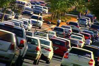 Comportamento do motorista influencia no caos instaurado no trânsito de Goiânia - Confira a primeira reportagem da série do Jornal Anhanguera 1ª Edição.