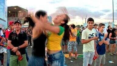 Moradores de Cuiabá acompanham a final da Copa do Mundo - Moradores de Cuiabá acompanharam a final da Copa do Mundo