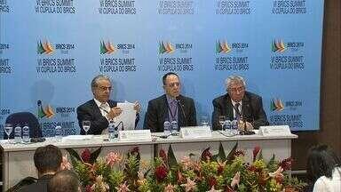 Empresários discutem como diminuir a burocracia entre os países membros do Brics - Expectativa é que na sexta Cúpula do Brics, em Fortaleza, sejam fechados US$ 3,9 bilhões em novos negócios.