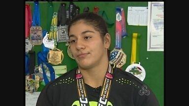 Atleta de MMA da Amazônia vai aos Estados Unidos competir - Infelizmente a jovem não venceu os combates, mesmo assim garantiu uma importante medalha.