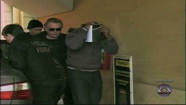 Casal acusado de roubar armas de vigilantes da FURG será liberado da prisão - Crime aconteceu em 18 de março deste ano.