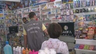 Vigilância sanitária fiscaliza drogarias de Manaus - Ação ocorre após denúncias de irregularidades; estabelecimentos estariam comercializando remédios de forma não autorizada.