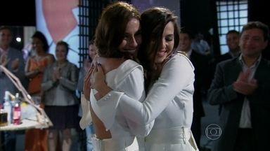 Em Família - Capítulo de quarta-feira, 16/07/2014, na íntegra - Clara e Marina se casam