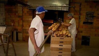 Padaria produz o mesmo pão italiano há cem anos - Ela começou a funcionar em 1914. Comércio sobrevive a tecnologia.