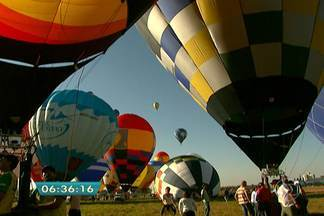 Mundial de Balonismo colore o céu na cidade de Rio Claro - O Mundial de Balonismo reúne 59 pilotos de 22 países. Pela primeira vez, as provas são realizadas na América Latina.