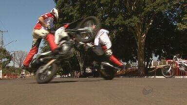 Edição do Ribeirão Moto Festival reúne adeptos de 22 motoclubes - Evento, realizado neste final de semana, teve provas e shows de manobras.