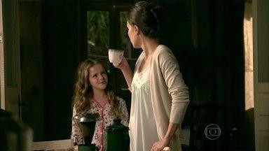 Cristina ouve Cora falando mal de José Alfredo - Eliane prepara a inauguração de seu quiosque