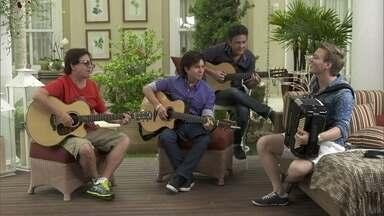 Michel Teló e Chitãozinho e Xororó cantam 'Barquinho' - Michel Teló e Chitãozinho e Xororó cantam juntos
