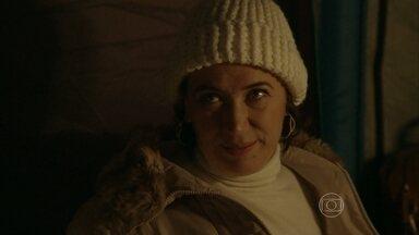 Maria Marta critica noivado de Maria Clara e Enrico - Milionária consegue voltar para o acampamento