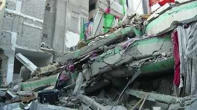 Israel intensifica os bombardeios à Faixa de Gaza - As bombas vieram dos aviões, dos tanques e dos navios. E fizeram da terça-feira (29) um dos dias mais violentos da guerra.
