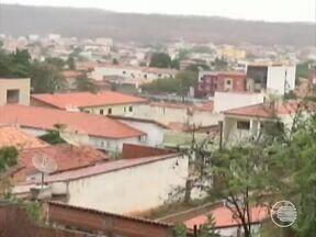 Em época de tempo seco, chuva surpreende população no Piauí - Em época de tempo seco, chuva surpreende população no Piauí