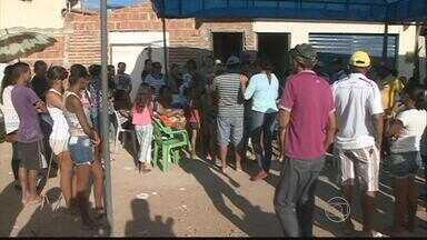 Caminhão de lixo atropela duas crianças em Cabrobó, PE - Uma delas, de 6 anos, morreu no local. A outra está internada, em estado grave. Elas estavam a caminho do colégio quando acidente aconteceu.