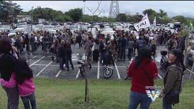 Professores de Guarujá voltam a trabalhar após 13 dias - Eles estavam em greve