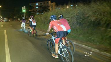 São Luís ganha cada vez mais adeptos de passeios ciclísticos noturnos - Uma mistura de lazer e esporte que, além de fazer bem à saúde, ajuda a fazer novas amizades.