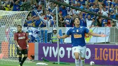 Reservas do Cruzeiro colocam medalhões no banco - Reservas do Cruzeiro se destacam no Brasileirão e colocam jogadores de renome no banco
