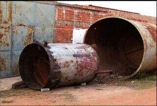 Poluição causada por uma fábrica de sabão está prejudicando a população - Moradores não suportam a fumaça.