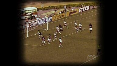 Baú do Esporte relembra duelo goiano que entrou para o clássico dos brasileiros - Pela série B do Campeonato Brasileiro de 2009. Atlético, com o melhor ataque da competição, abriu placar no primeiro tempo. Vila Nova tentou reação, mas perdeu de 2 a 1.
