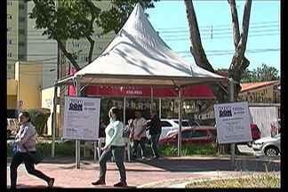 Procon de Suzano realiza atendimentos em praça no Centro - Mais de 50 pessoas foram atendidas.