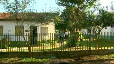 Condomínio da terceira idade é ampliado em Santa Terezinha de Itaipu - As casas são cedidas aos idosos que não têm moradia própria e que estão afastados de suas famílias por diversos motivos.