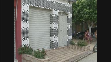 Polícia investiga duplo homicídio no município de Iati - Dois homens foram mortos em uma lanchonete.