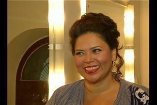 Errata: soprano mostrada da reportagem é Adriane Queiroz e não Ione Carvalho - O Festival de Ópera do teatro da paz vai até o dia 27 de setembro