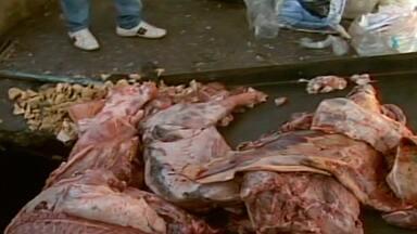 Fiscais apreendem 4,5 toneladas de carne em Divinópolis - Alimentos eram vendidos irregularmente em açougues da cidade.