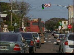 Semáforos são instalados em Passo Fundo, RS - Os motoristas devem ficar atentos com a sinalização.